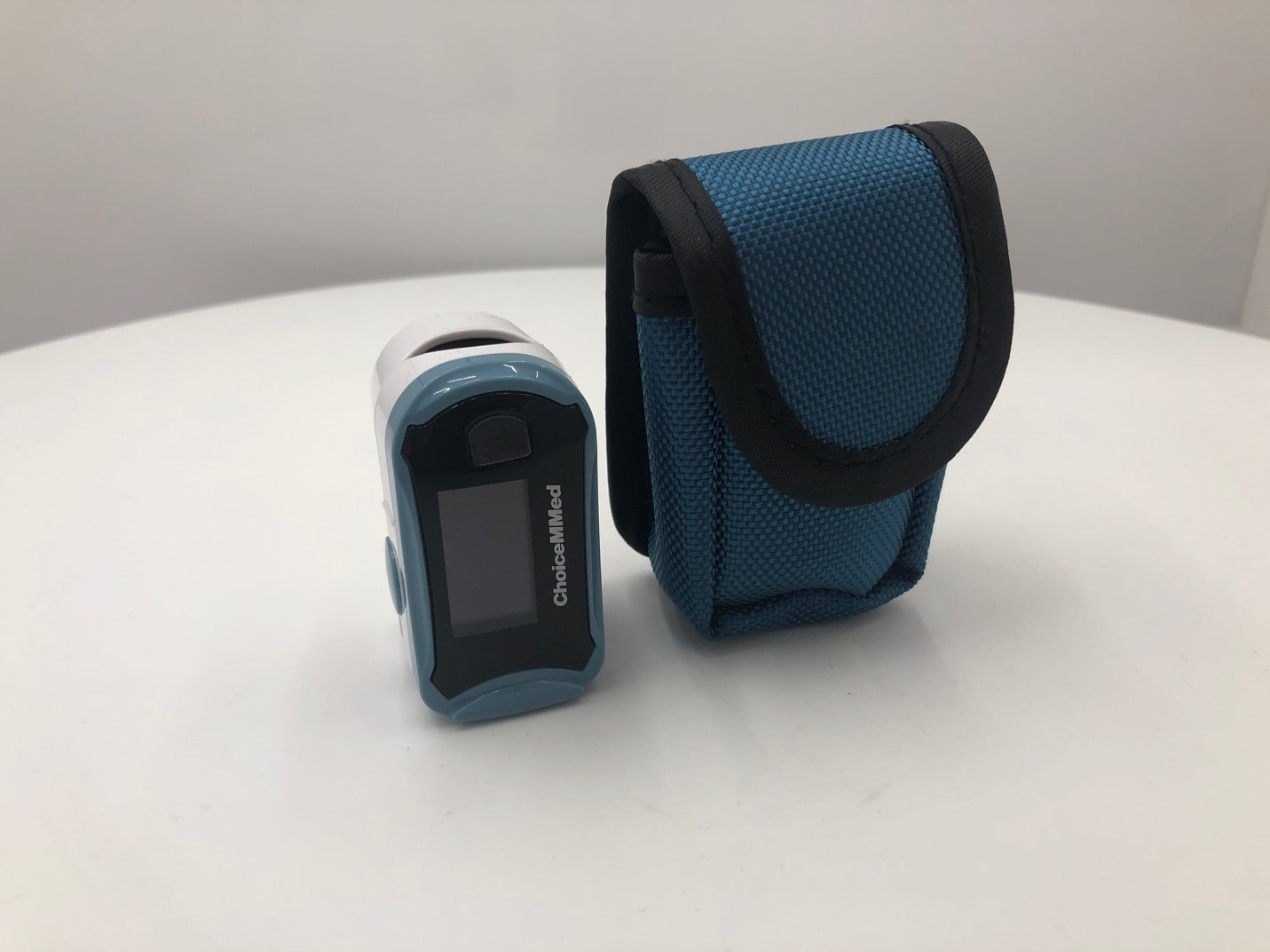 The image of Pulse Oximeter and its cover.